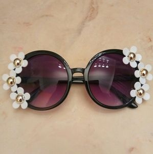 Accessories - Brand New Oversized Floral Sunglasses